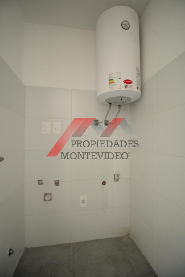 Foto Apartamento en Venta en  Malvín ,  Montevideo  Malvin, Lerena Acevedo al 1400