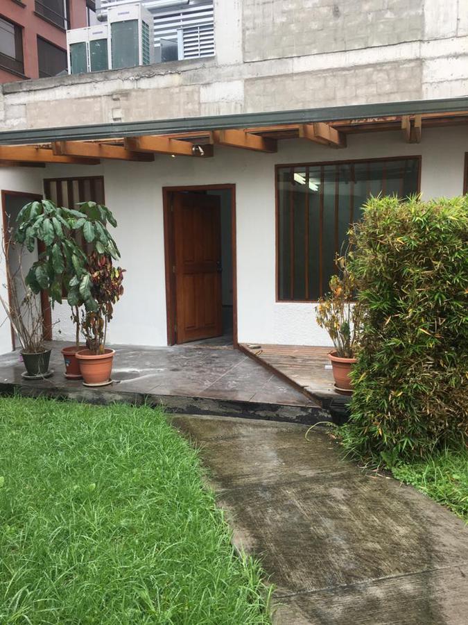Foto Local en Alquiler en  Norte de Quito,  Quito  REPÚBLICA DEL SALVADOR Y NNUU