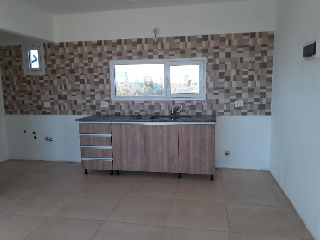Foto Casa en Venta en  Capital ,  Neuquen  Chocon   medio