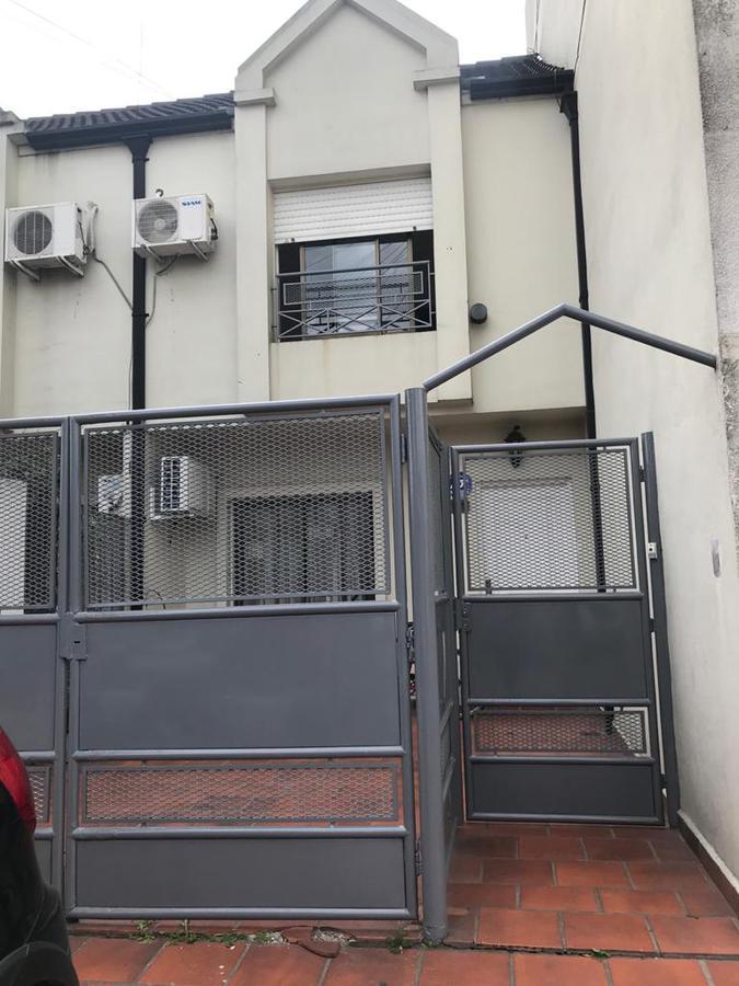 Foto Casa en Venta en Vuelta de Obligado al 1200, Haedo, G.B.A. Zona Oeste | Moron | Haedo