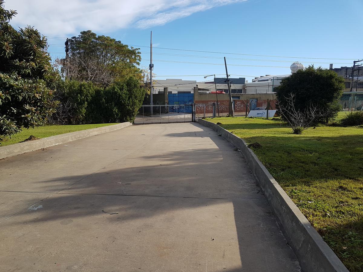 Foto Depósito en Alquiler en  Boulogne,  San Isidro  Cap. Juan de San Martin al 2300