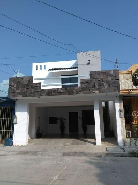 Foto Casa en Venta en  Tamaulipas,  Tampico  Casa amplia en Col. Tamaulipas