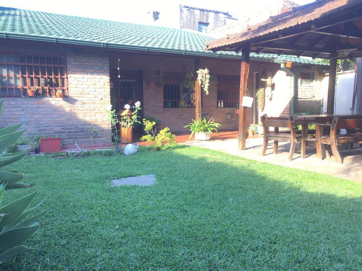 Foto Casa en Venta en  Castelar Norte,  Castelar  Salcedo al 3500