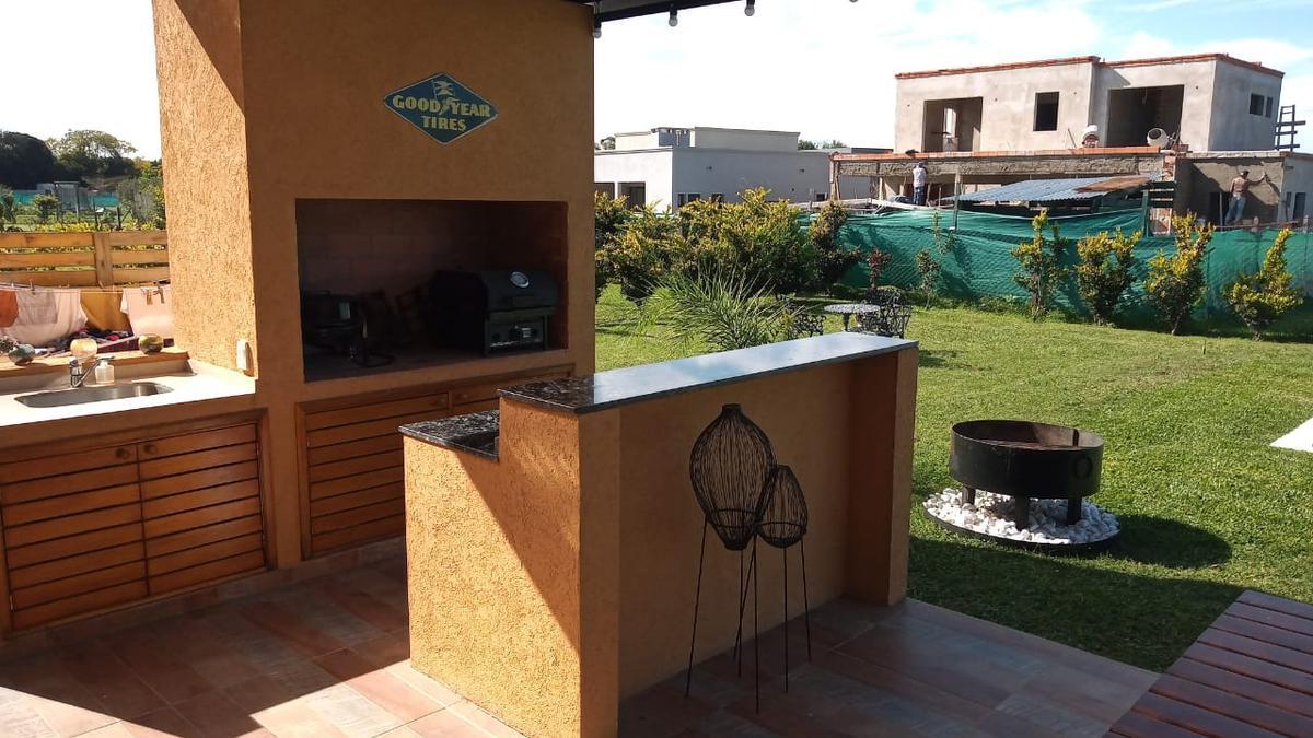 Foto Casa en Venta | Alquiler | Alquiler temporario en  San Matias,  Countries/B.Cerrado (Escobar)  Casa totalmente amueblada en una planta con pileta