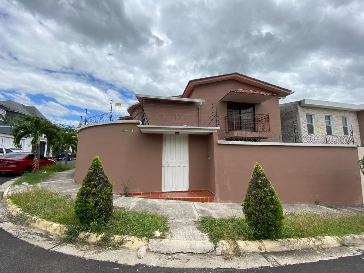 Foto Casa en Renta en  Las Hadas,  Tegucigalpa  Amplia Casa ubicada en Res. Las Hadas