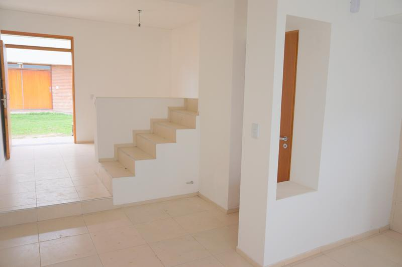 Foto Casa en Venta en  San Miguel De Tucumán,  Capital  Dúplex, Pje. Tagle y Felix de Olazabal - Financiado.