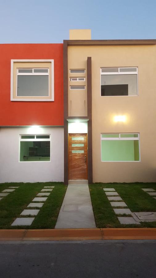 Foto Casa en condominio en Venta en  Toluca ,  Edo. de México  Casas NUEVAS EN VENTA, Fraccionamiento Valle de la Hacienda, Toluca, Estado de México