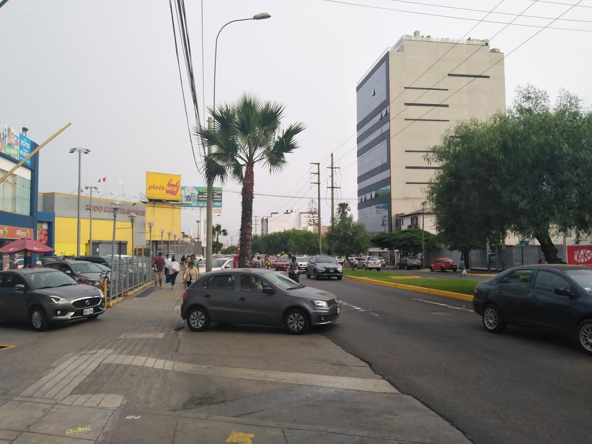 Foto Terreno en Venta en  Santiago de Surco,  Lima  Av. Caminos del Inca