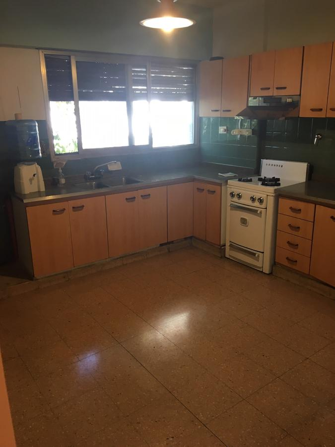 Foto Departamento en Alquiler en  Lomas De Zamora,  Lomas De Zamora  Mitre al 200