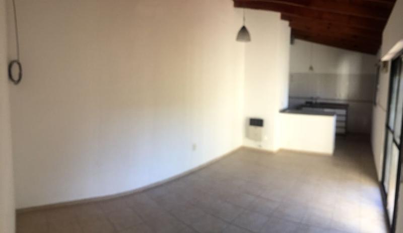 Foto Casa en Venta en  Vitranu I,  Campana  Quiroga al 100