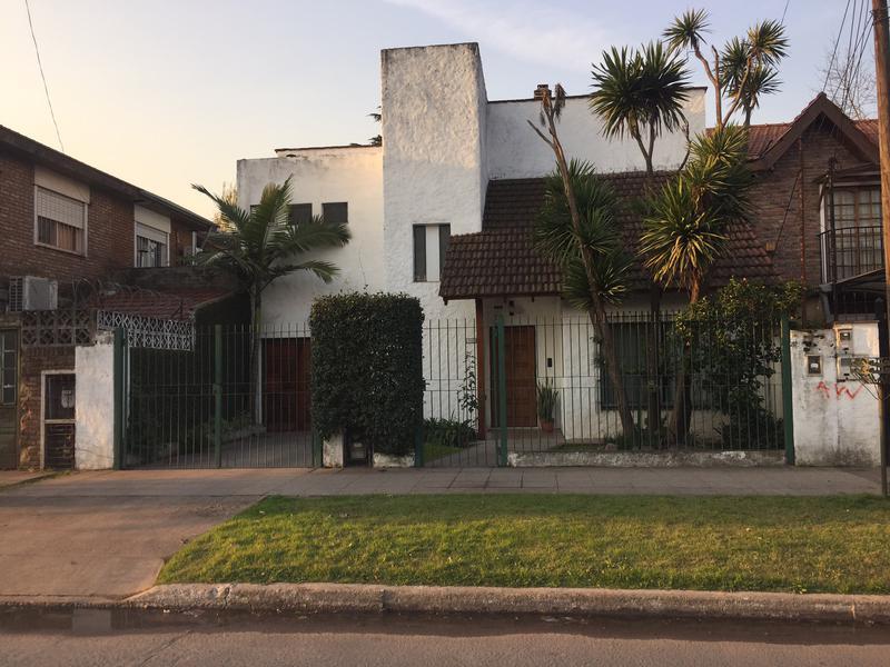 Foto Casa en Venta    en  San Miguel ,  G.B.A. Zona Norte  ROQUE SAENZ PEÑA  al 1700