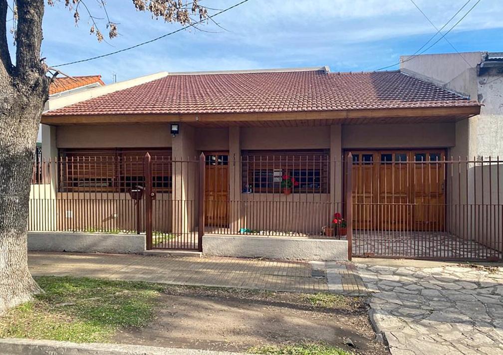 Foto Casa en Venta en  Villa Adelina,  San Isidro  Independencia al 1700