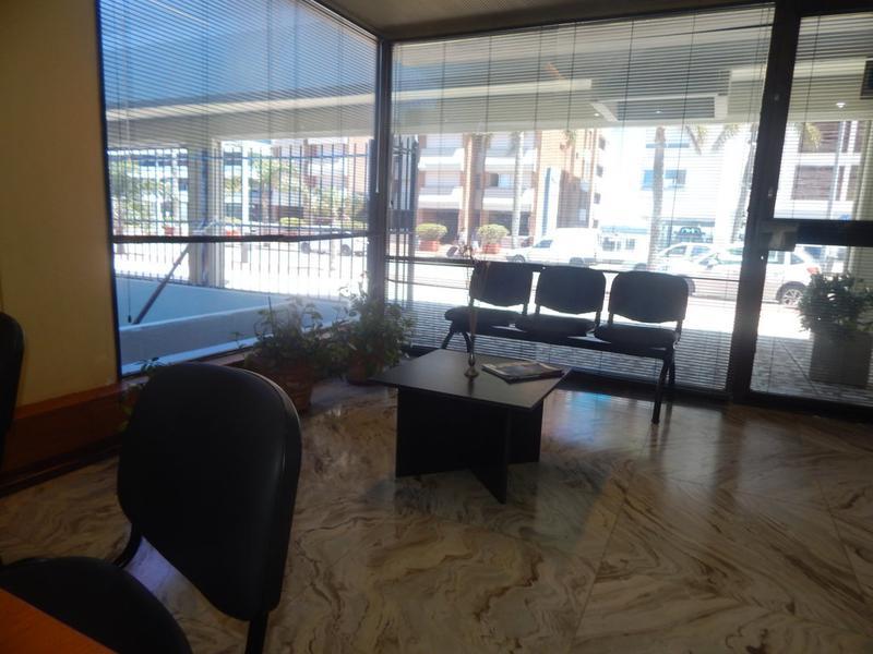 Foto Local en Venta en  Punta del Este ,  Maldonado  Lindo Local Comercial u Oficina en Venta en Punta del Este