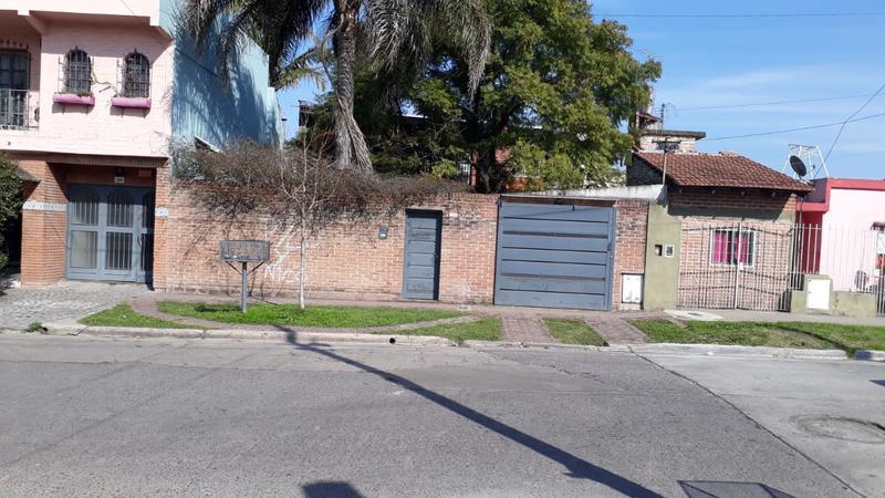Foto Casa en Venta en  Isidro Casanova,  La Matanza  Jose I.  Rucci al 2300