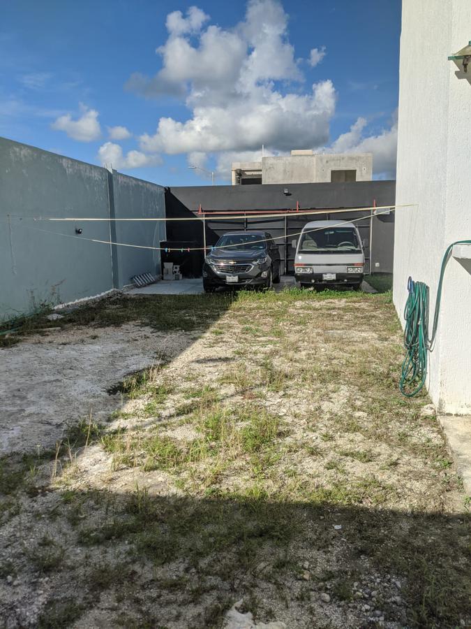 Foto Casa en Venta | Renta en  Cozumel ,  Quintana Roo  Casa Enzo, Calle Ixpalbarco entre 175 y Calle  Yucab