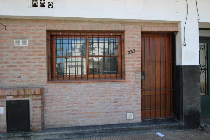 Foto Casa en Alquiler en  Mart.-Santa Fe/Fleming,  Martinez  PIRAN al 200