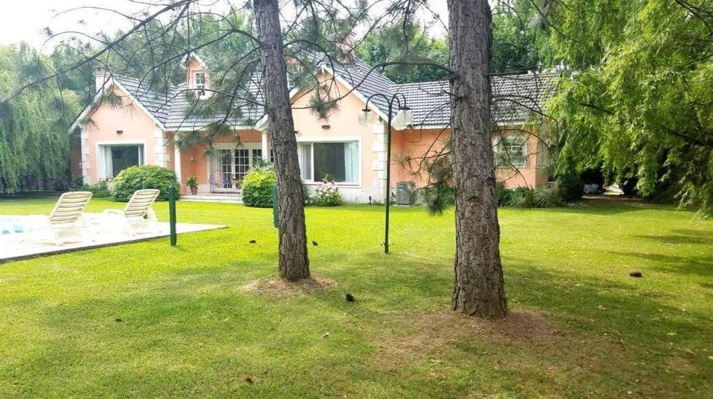 Foto Casa en Venta en  Los Puentes,  Countries/B.Cerrado (Lujan)  Colectora Norte Acceso Oeste, Lujan, Provincia de Buenos Aires
