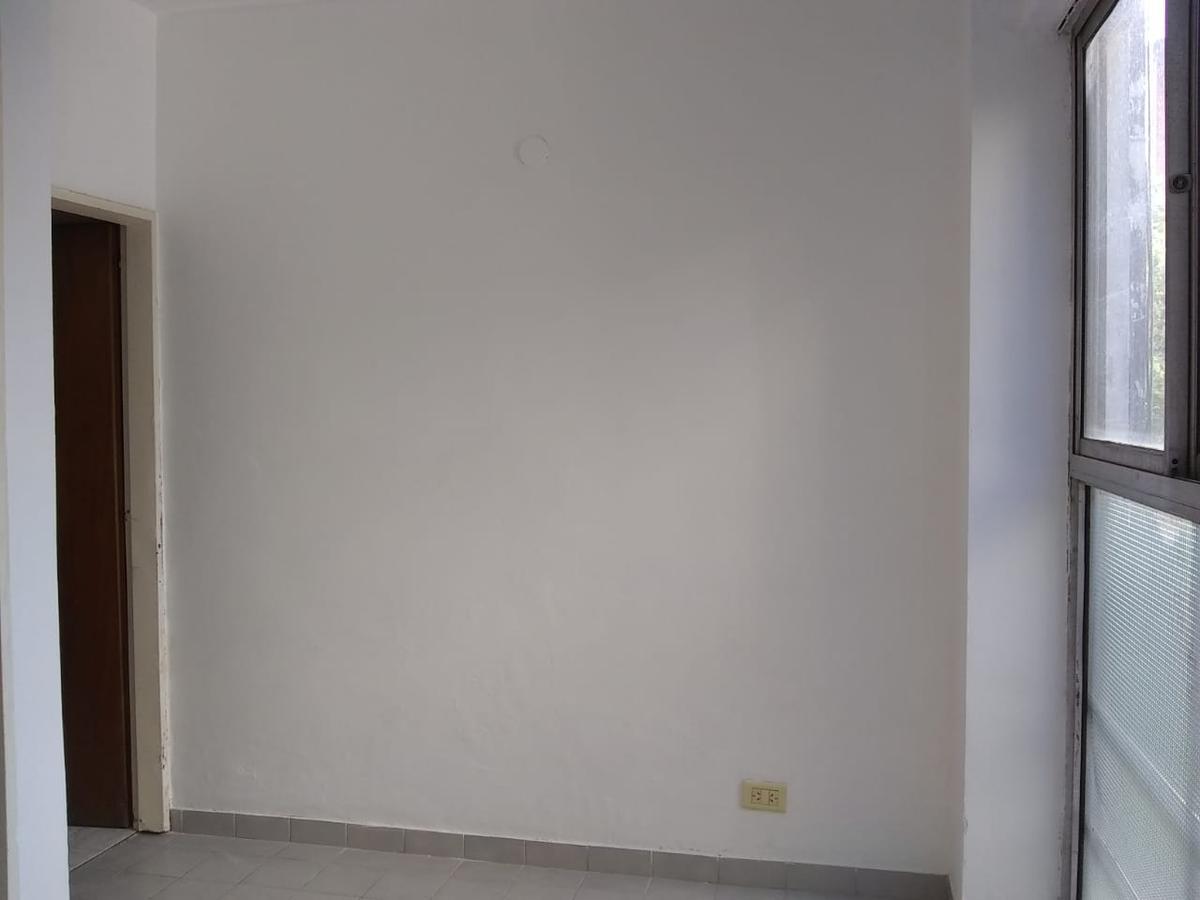 Foto Departamento en Alquiler en  La Plata,  La Plata  Monoambiente 55 esquina 6