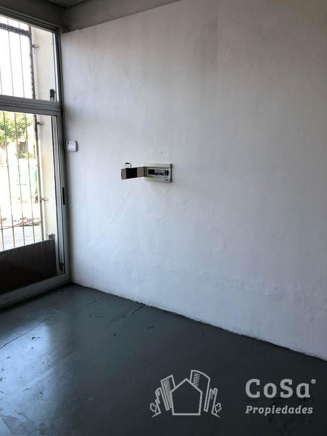 Foto Local en Alquiler en  Rosario,  Rosario  Bv. Oroño 4624 y Uriburu - LOC. 3
