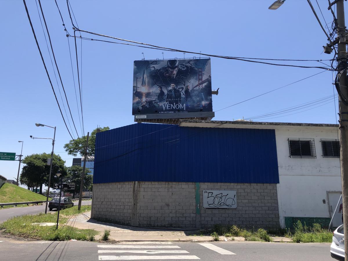 Foto Galpón en Venta en  Vicente López ,  G.B.A. Zona Norte  Colectora