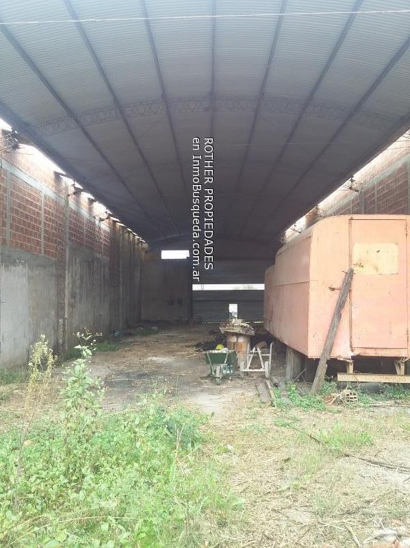 Foto Galpón en Venta en  La Plata,  La Plata  7 entre 507 y 508