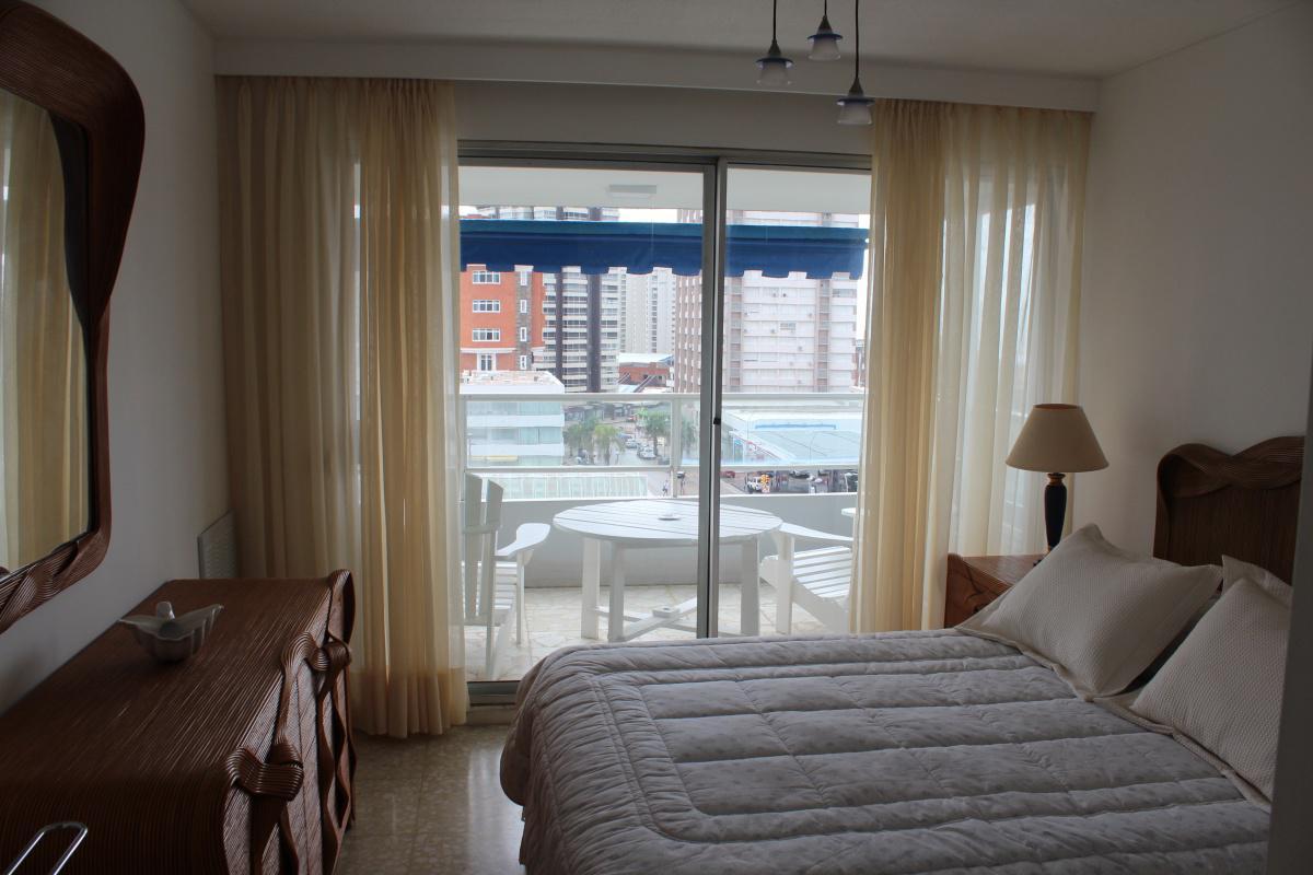 Foto Apartamento en Alquiler | Alquiler temporario en  Península,  Punta del Este  Peninsula