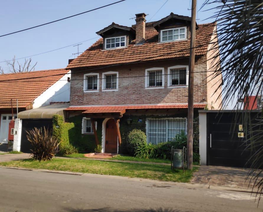 Foto Casa en Venta en  Las Lomas-Horqueta,  Las Lomas de San Isidro  Quesada al 2100