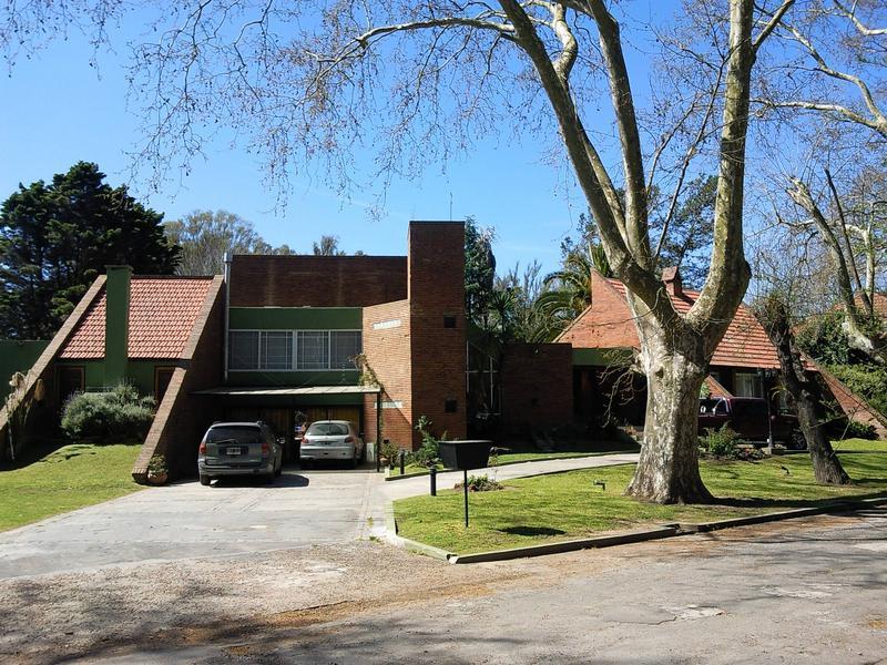 Foto Casa en Venta en  Country El Paraíso,  Guernica  Polígono 341