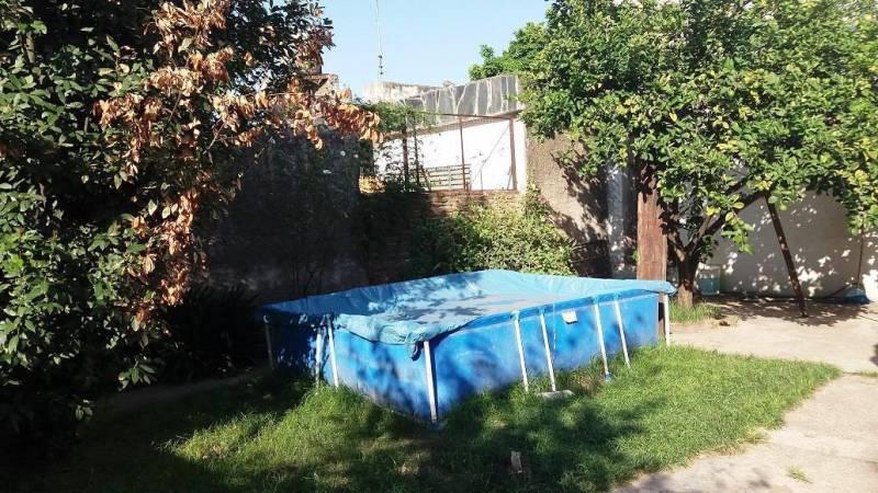 Foto Casa en Venta en  Moron,  Moron  Ozanam al 300