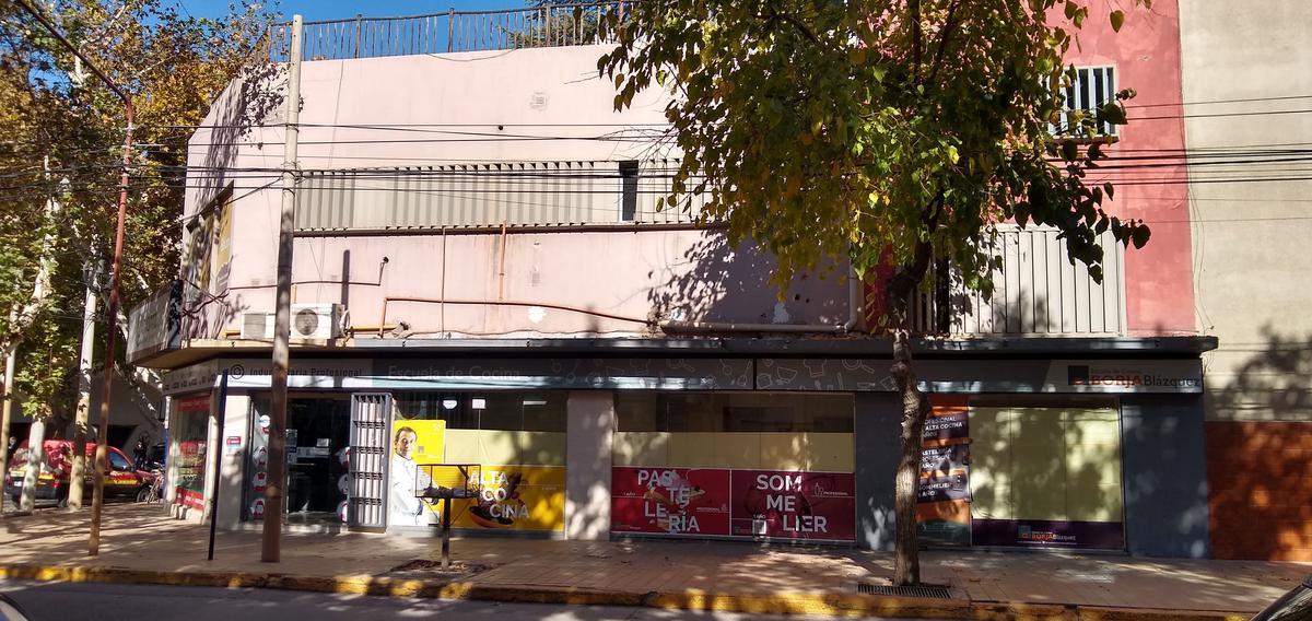 Foto Local en Alquiler en  Capital ,  San Juan  San Luis esquina Tucuman