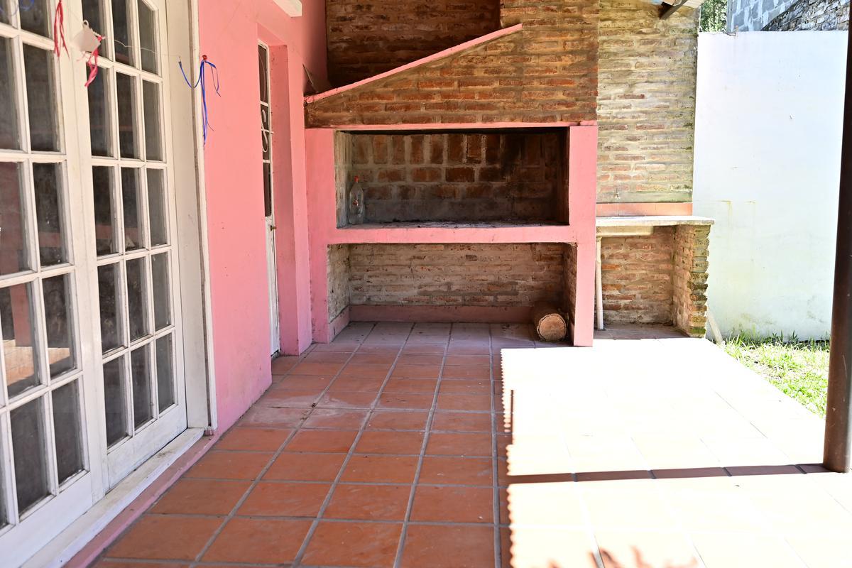 Foto Casa en Venta en  Gualeguaychu,  Gualeguaychu  Zona Club Defensores del Oeste