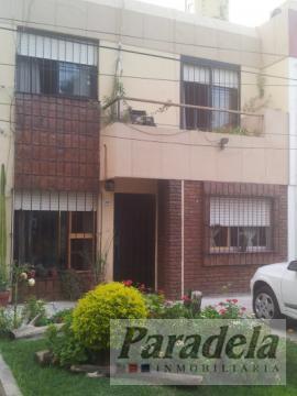 Foto Casa en Venta en  Castelar,  Moron  San Alberto 3590