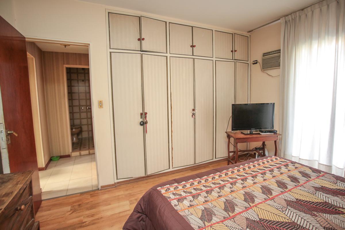 Foto Casa en Venta en  Villa Devoto ,  Capital Federal  Marcos Paz al 4500