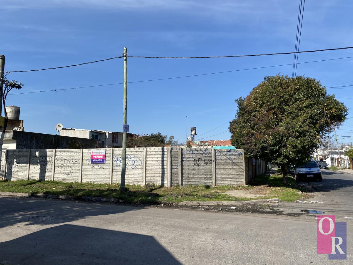 Foto Terreno en Venta en  Berazategui,  Berazategui  Calle 154 esq. 10