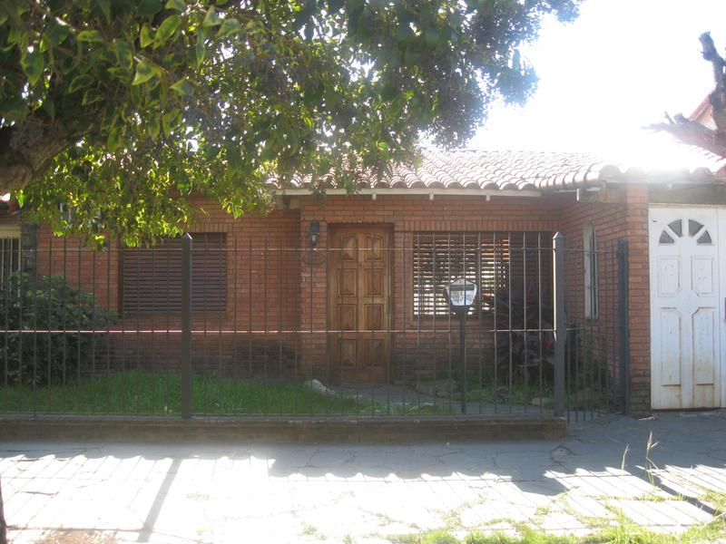 Foto Casa en Venta en  Banfield Este,  Banfield  Matheu 1566