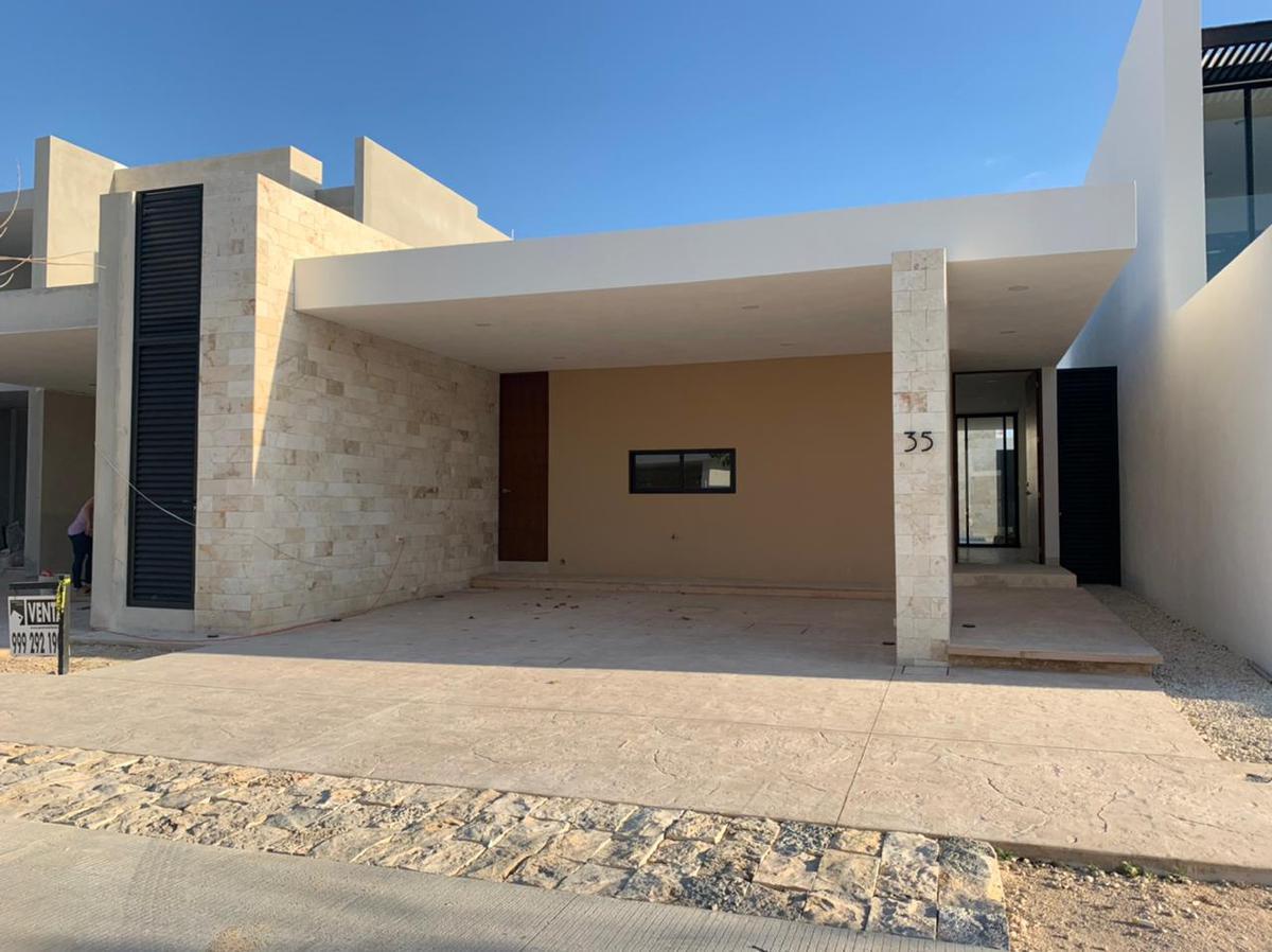Foto Casa en Venta en  Temozon Norte,  Mérida  RESIDENCIA DE 1 PLANTA EN TEMOZÓN