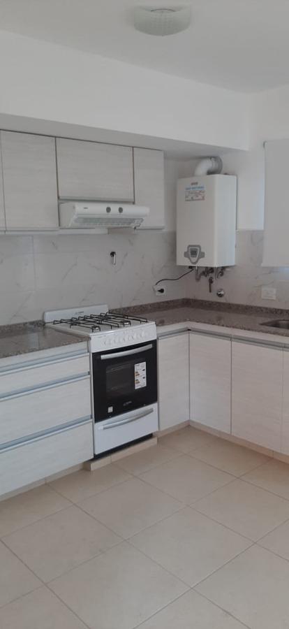 Foto Casa en Venta en  Capital ,  Neuquen  San Martin al 4800