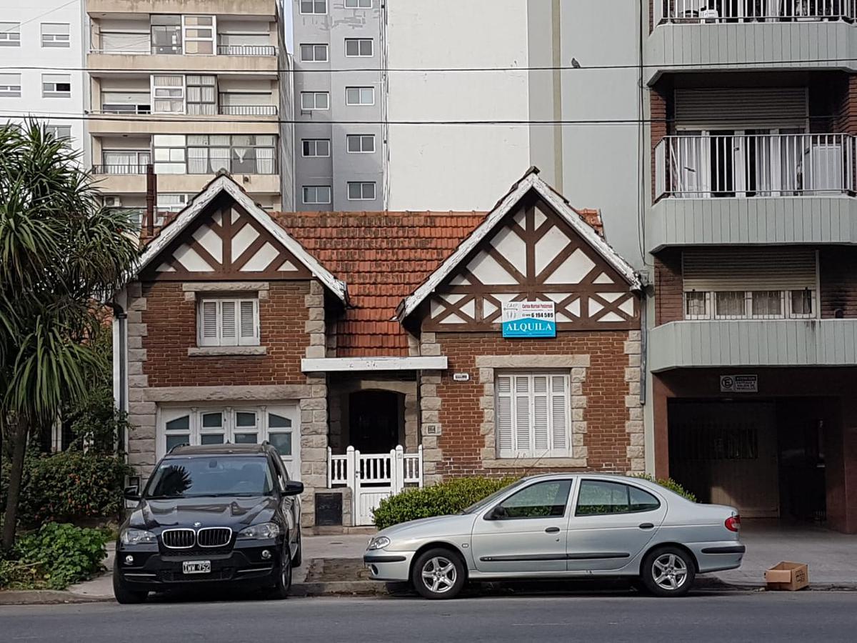 Foto Casa en Alquiler en  Mar Del Plata,  General Pueyrredon  independencia al 900