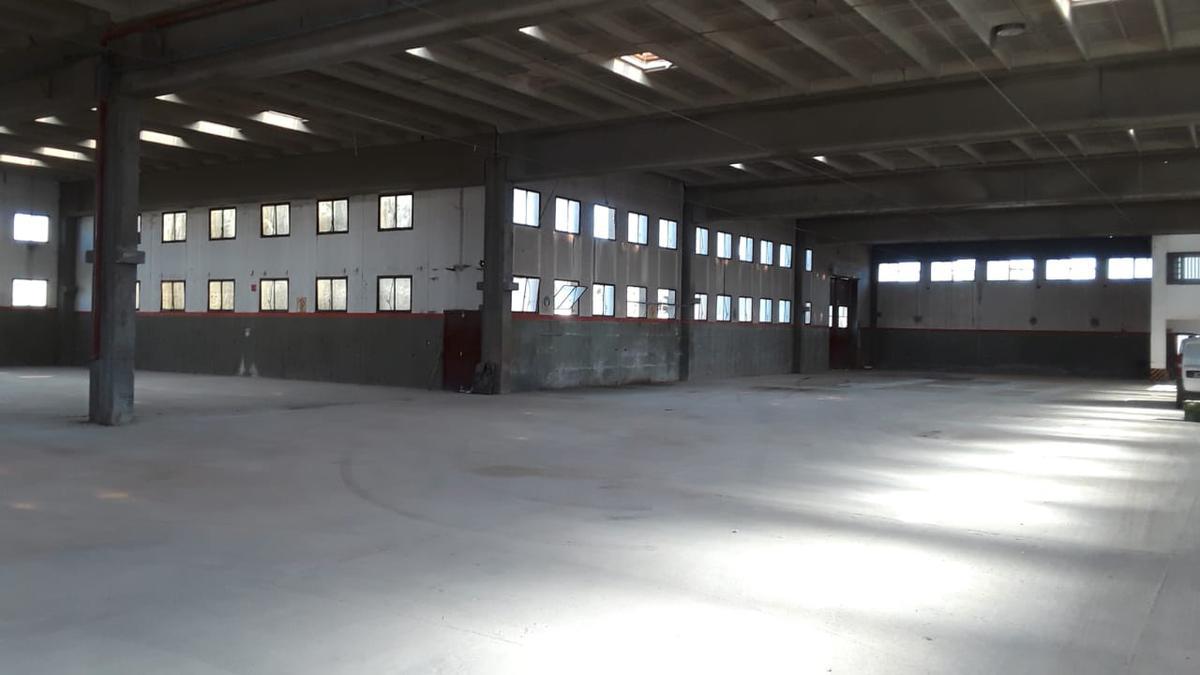 Foto Nave Industrial en Venta | Alquiler en  Cordoba Capital ,  Cordoba  AV. JUSTO JUAN B. 7 1/2