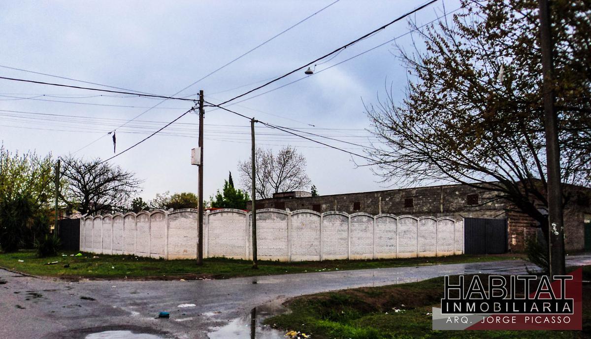 Foto Terreno en Venta en  Rosario ,  Santa Fe  GALPONES - Velez Sarfield al 6300- Inmuebles juntos o separados