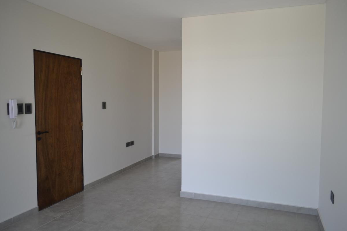Foto Departamento en Venta en  Santa Fe,  La Capital  Semipiso luminoso y amplio con cocina independiente, estar comedor, escritorio, dorm. con placard y 2 balcones