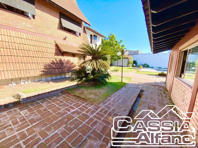 Foto Casa en Venta en  Castelar,  Moron  PICHINCHA 1131