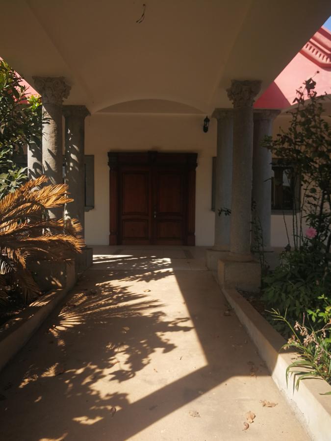 Foto Edificio Comercial en Venta en  Valle de Angeles ,  Francisco Morazán          Espacioso centro comercial en venta en valle de angeles
