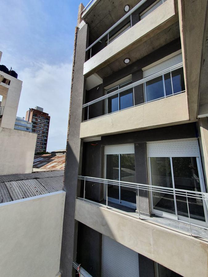 Foto Departamento en Venta en  Echesortu,  Rosario  Crespo 1253 00-01