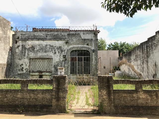 Foto Terreno en Venta en  Lomas de Zamora Oeste,  Lomas De Zamora  SAENZ 1287 e/Baliña y Tucuman