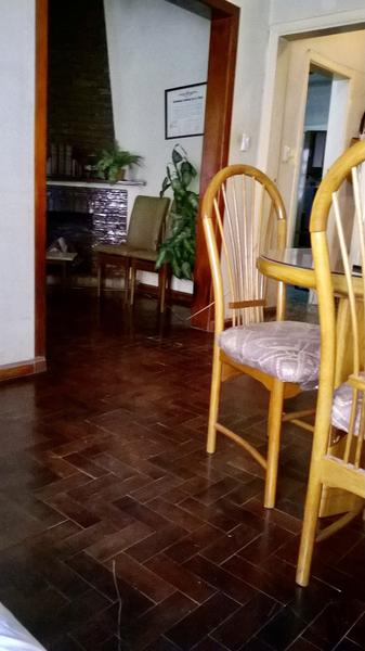 Foto Casa en Venta en  Adrogue,  Almirante Brown  Valentin Alsina al 1100