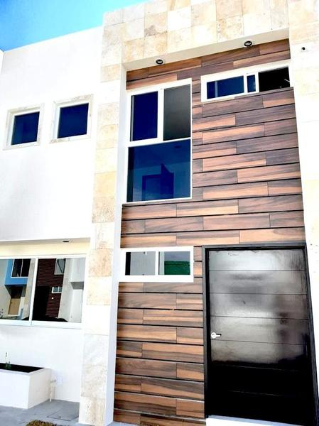 Foto Casa en condominio en Venta en  San Mateo Atenco Centro,  San Mateo Atenco  VENTA DE CASA NUEVA EN INDEPENDENCIA SAN MATEO ATENCO