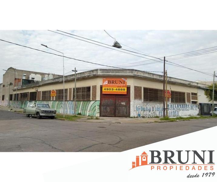 Foto Galpón en Venta en  Lanús ,  G.B.A. Zona Sur  Salta al 400