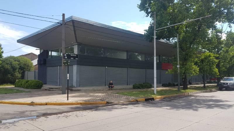 Foto Local en Alquiler en  Rosario ,  Santa Fe  Mendoza al al 7900