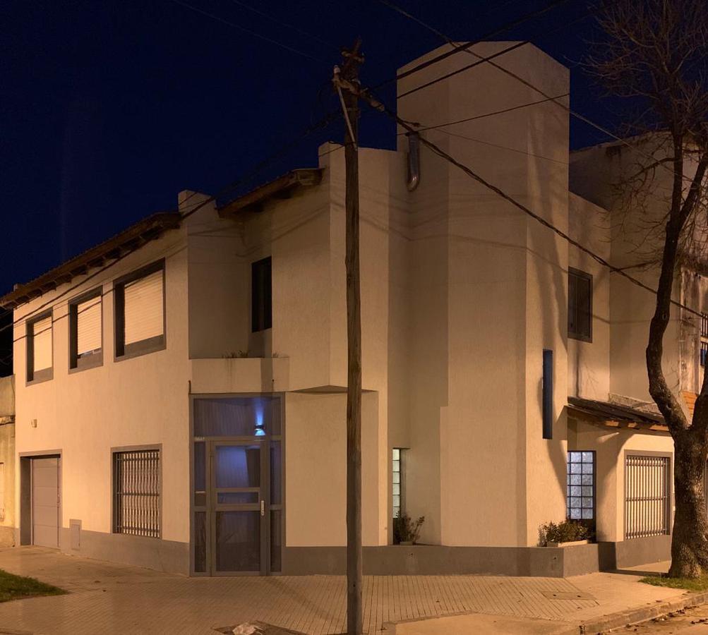 Foto Casa en Venta en  Azcuenaga,  Rosario  San Luis al 5600